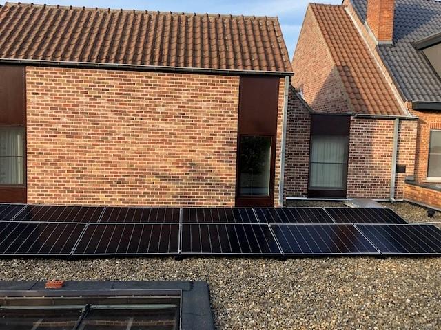 Zonnepanelen op plat dak Aarschot