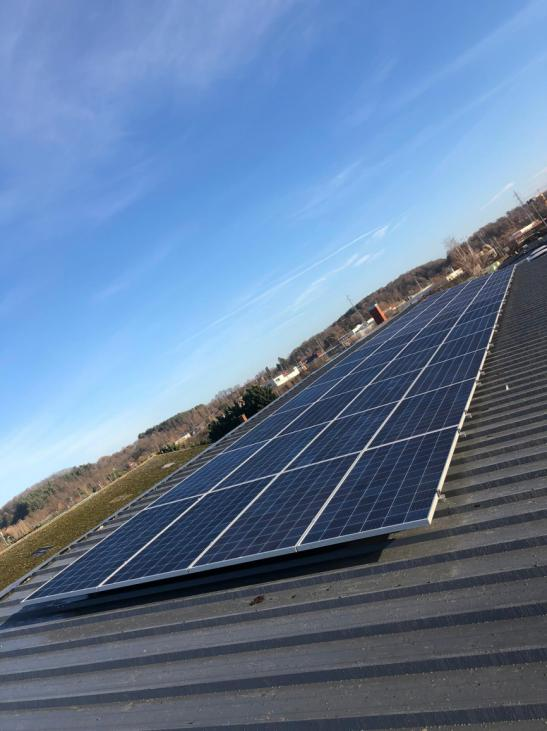 Zonnepanelen op golfplaten dak Diest