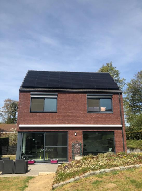 zonnepanelen op pannen dak - Blanden