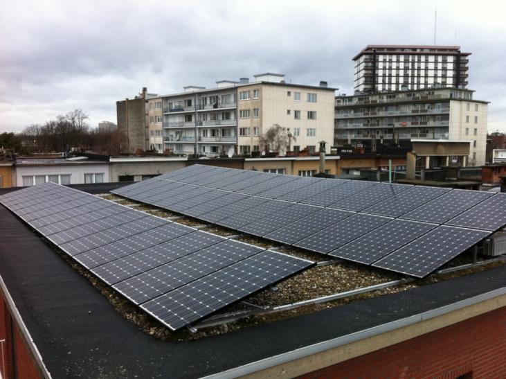 Zonnepanelen op plat dak Borgerhout