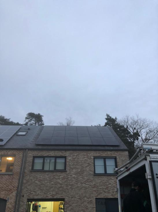 Zonnepanelen op leien dak Huldenberg