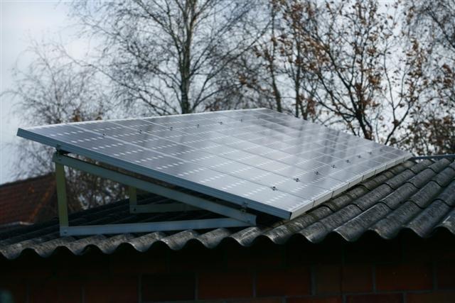 Zonnepanelen op golfplaten dak Loenhout