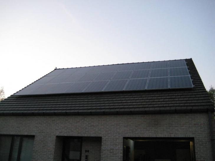 Zonnepanelen op pannen dak in Beerse