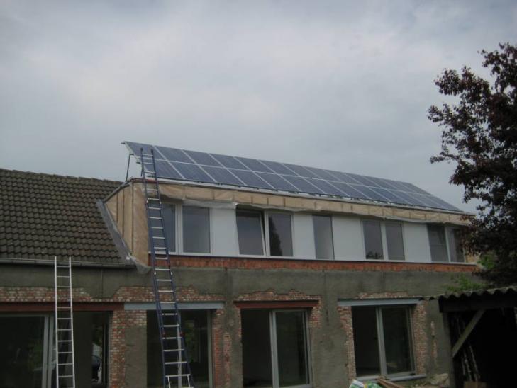 Zonnepanelen op plat dak Hoogstraten