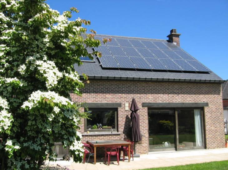 Zonnepanelen op leien dak Bertem