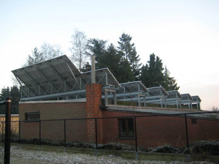 Zonnepanelen op plat dak Meerhout