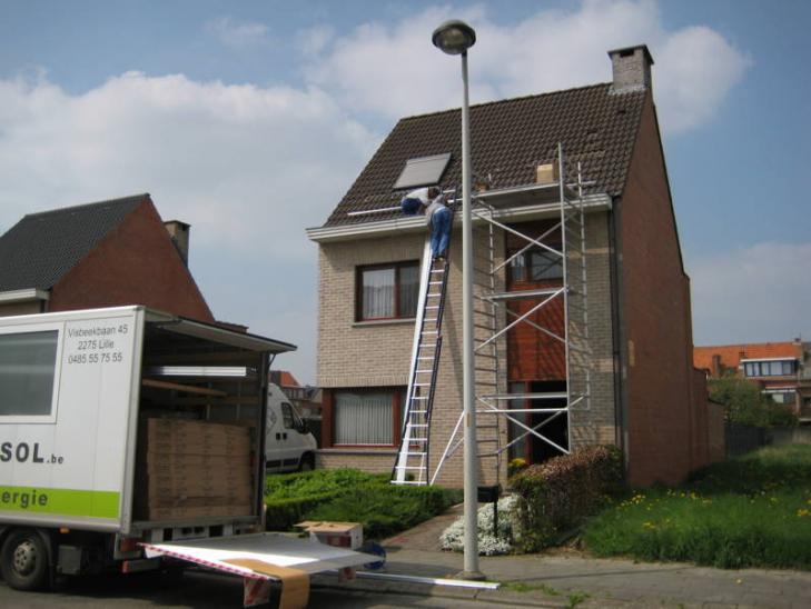 Zonnepanelen op pannen dak in Lier