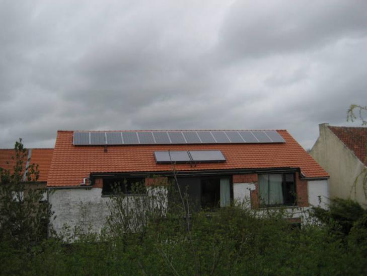 Zonnepanelen op pannen dak Tienen