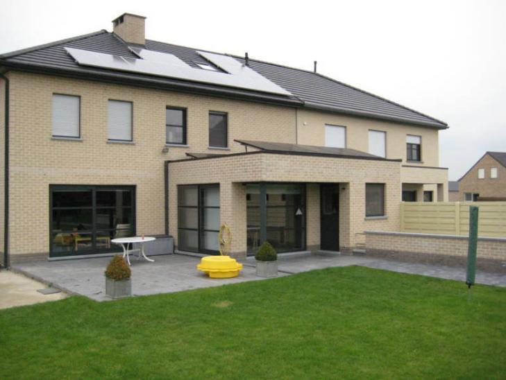 Zonnepanelen op plat dak Tessenderlo
