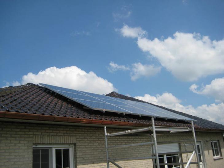 Zonnepanelen op pannen dak in Pulderbos