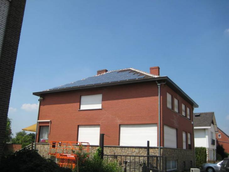Zonnepanelen op pannen dak in Aarschot