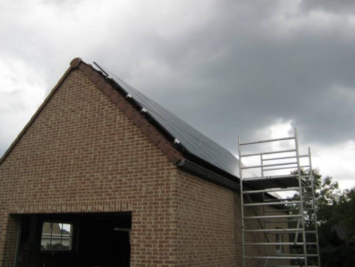 Zonnepanelen op pannen dak in Olen