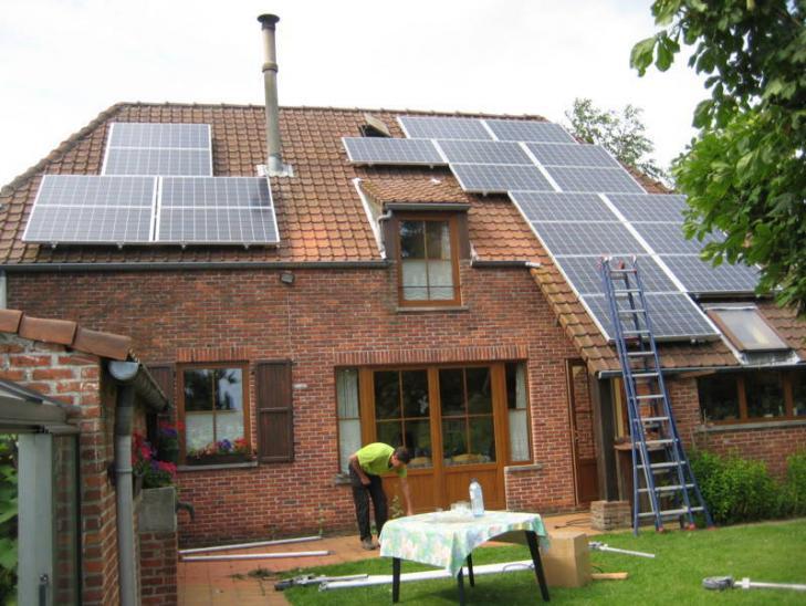 Zonnepanelen op pannen dak in Wommelgem