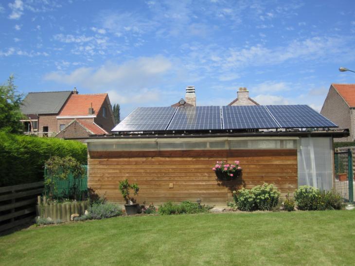Zonnepanelen op plat dak Tienen