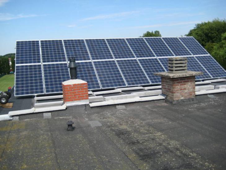 Zonnepanelen op plat dak Merksem