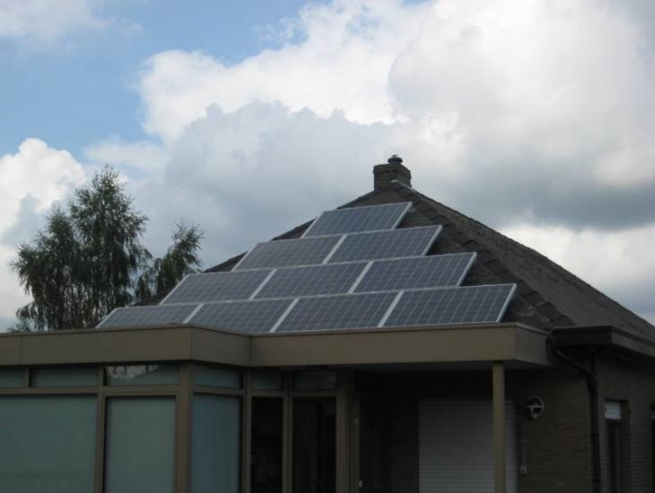 Zonnepanelen op leien dak Olen