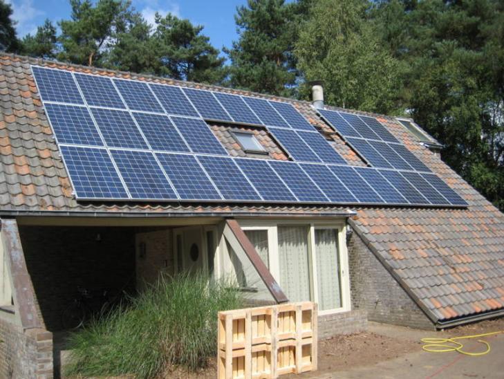Zonnepanelen op pannen dak in Herentals