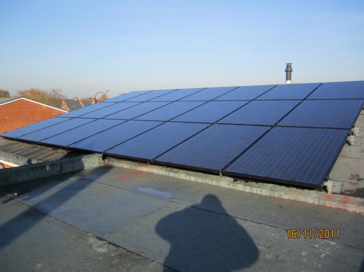 Zonnepanelen op plat dak Turnhout