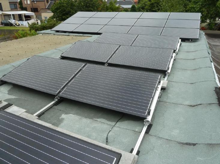 Zonnepanelen op plat dak Oud-Turnhout
