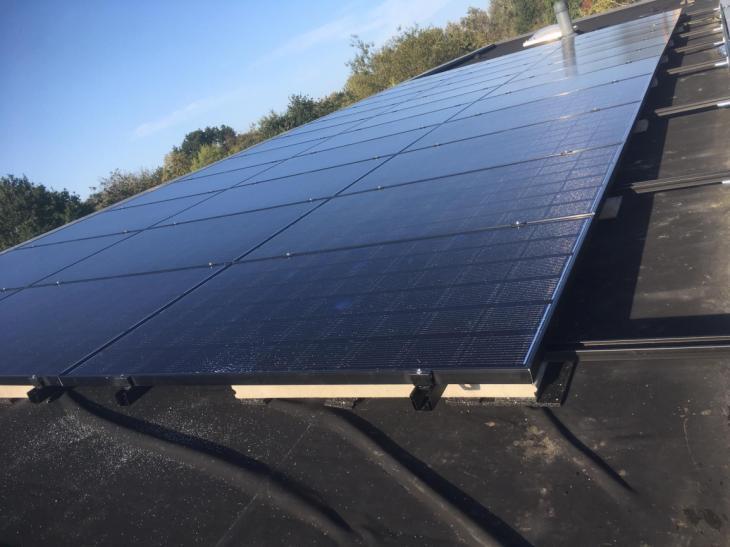 Zonnepanelen op roofing Kessel-Lo
