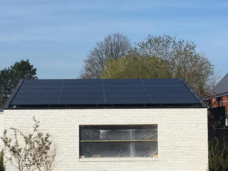 Zonnepanelen op roofing Berlaar