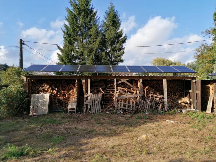 Zonnepanelen op golfplaten dak Grobbendonk