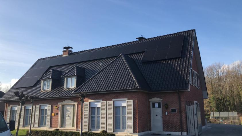 Zonnepanelen op pannen dak in Begijnendijk